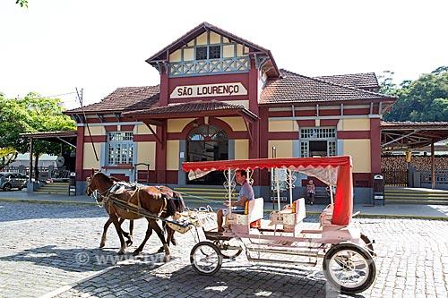 Carruagem em frente à Estação Ferroviária de São Lourenço  - São Lourenço - Minas Gerais (MG) - Brasil