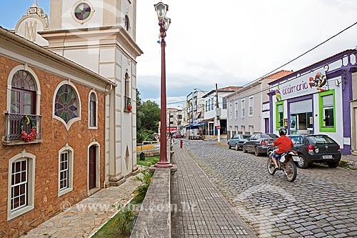 Rua Capitão João Rocha com Igreja de Nossa Senhora do Monte Serrat (1754) à esquerda  - Baependi - Minas Gerais (MG) - Brasil