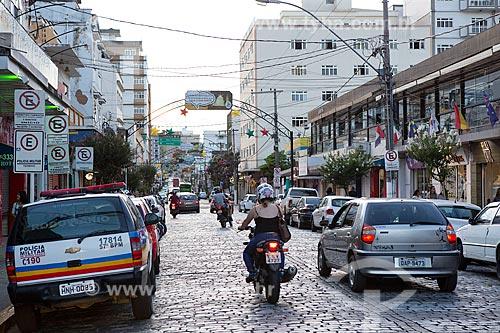 Tráfego na Avenida Dom Pedro II  - São Lourenço - Minas Gerais (MG) - Brasil