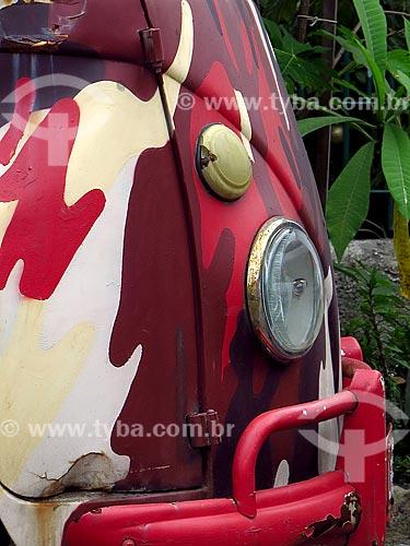 Detalhe de Kombi com grafite  - Rio de Janeiro - Rio de Janeiro (RJ) - Brasil