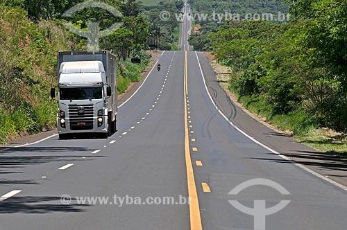 Tráfego na Rodovia Assis Chateaubriand (SP-425)  - Barretos - São Paulo (SP) - Brasil