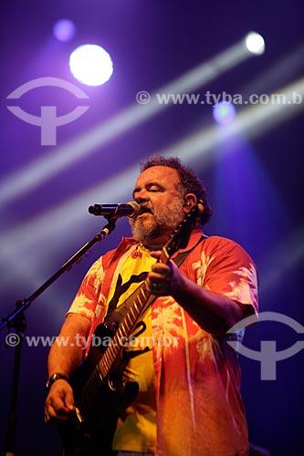 Léo Jaime cantando na Praia de Copacabana durante a festa de réveillon  - Rio de Janeiro - Rio de Janeiro (RJ) - Brasil