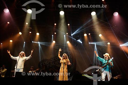 Alceu Valença, Elba Ramalho e Geraldo Azevedo cantando na Praia de Copacabana durante a festa de réveillon  - Rio de Janeiro - Rio de Janeiro (RJ) - Brasil