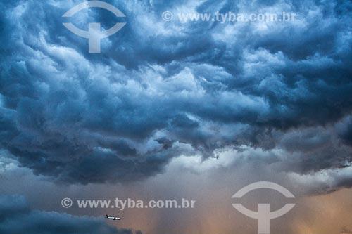 Céu com nuvens de tempestade  - Florianópolis - Santa Catarina (SC) - Brasil