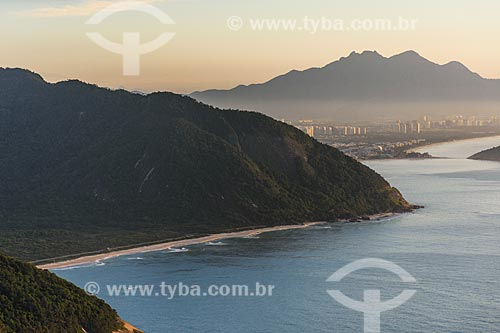 Vista da Praia de Grumari a partir da Pedra do Telégrafo durante o amanhecer  - Rio de Janeiro - Rio de Janeiro (RJ) - Brasil