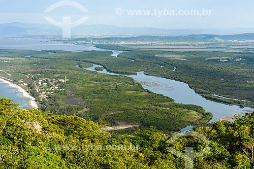 Vista geral da Restinga da Marambaia - área protegida pela Marinha do Brasil - a partir da Pedra do Telégrafo no Morro de Guaratiba  - Rio de Janeiro - Rio de Janeiro (RJ) - Brasil