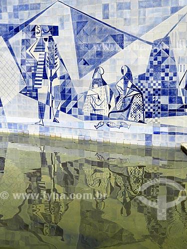 Detalhe de painel de Roberto Burle Marx em  lago artificial do Instituto Moreira Salles  - Rio de Janeiro - Rio de Janeiro (RJ) - Brasil