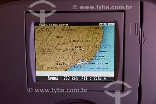 Detalhe de mapa mostrando a localização de avião durante o voo entre Rio de Janeiro e Campinas  - Rio de Janeiro - Rio de Janeiro (RJ) - Brasil