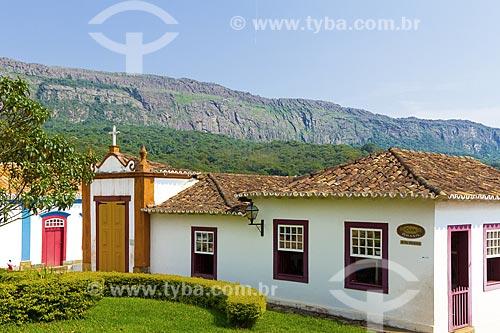 Vista da Capela dos Passos da Paixão (1740) no Largo da Câmara com a Serra de São José ao fundo  - Tiradentes - Minas Gerais (MG) - Brasil