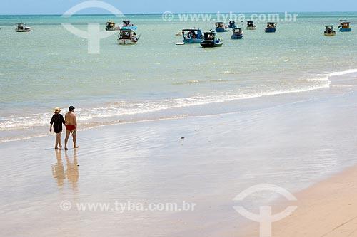 Casal na orla da Praia de Tambaú  - João Pessoa - Paraíba (PB) - Brasil