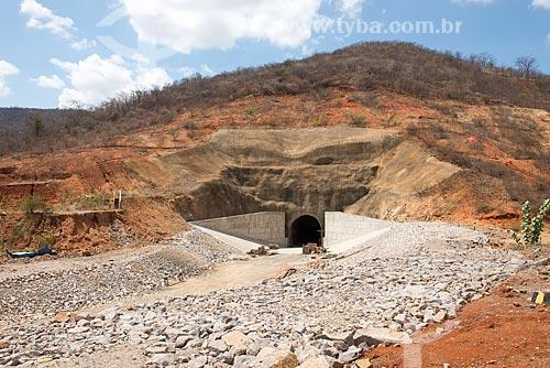 Canteiro de obras do Túnel Cuncas II - parte do Projeto de Integração do Rio São Francisco com as bacias hidrográficas do Nordeste Setentrional  - São José de Piranhas - Paraíba (PB) - Brasil