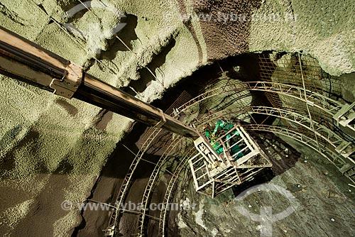 Colocação de cambota no Túnel Engenheiro Giancarlo de Lins Cavalcanti - parte do Projeto de Integração do Rio São Francisco com as bacias hidrográficas do Nordeste Setentrional  - Monteiro - Paraíba (PB) - Brasil