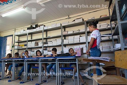 Alunos na Escola Municipal da Aldeia Travessão de Ouro - Tribo Pipipãs  - Floresta - Pernambuco (PE) - Brasil