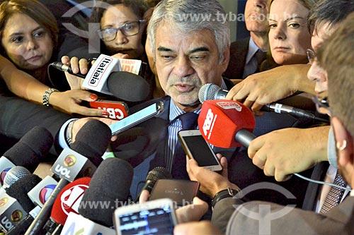 Entrevista com o Senador Humberto Costa durante a sessão de julgamento do impeachment da Presidente Dilma Rousseff no Senado Federal  - Brasília - Distrito Federal (DF) - Brasil