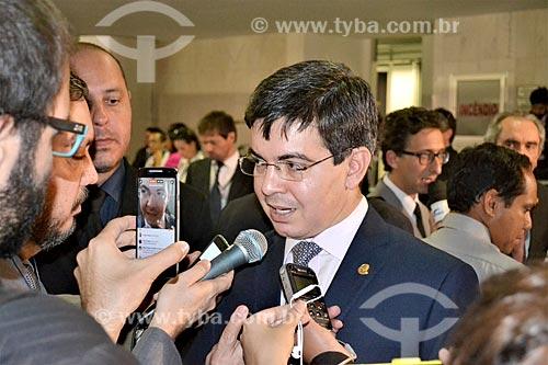 Entrevista com o Senador Randolfe Rodrigues durante a sessão de julgamento do impeachment da Presidente Dilma Rousseff no Senado Federal  - Brasília - Distrito Federal (DF) - Brasil