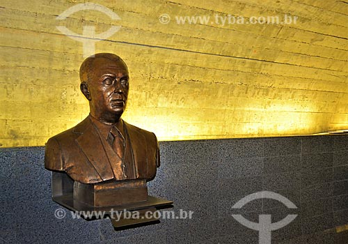 Busto do Presidente Juscelino Kubitschek no Congresso Nacional  - Brasília - Distrito Federal (DF) - Brasil