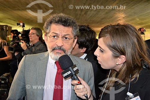 Entrevista com o Senador Paulo Rocha durante a sessão de julgamento do impeachment da Presidente Dilma Rousseff no Senado Federal  - Brasília - Distrito Federal (DF) - Brasil