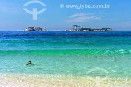 Vista do Monumento Natural das Ilhas Cagarras a partir da Praia de Ipanema  - Rio de Janeiro - Rio de Janeiro (RJ) - Brasil