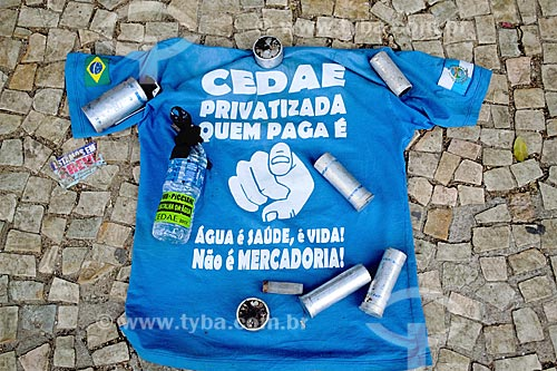 Artefatos utilizados pela polícia durante a votação do projeto que prevê a privatização da Companhia Estadual de Águas e Esgotos (CEDAE)  - Rio de Janeiro - Rio de Janeiro (RJ) - Brasil