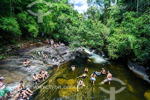 Banhistas no Rio Pirapetinga na Área de Proteção Ambiental da Serrinha do Alambari  - Resende - Rio de Janeiro (RJ) - Brasil