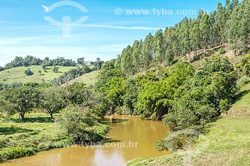 Trecho do Rio Pomba na zona rural da cidade de Guarani  - Guarani - Minas Gerais (MG) - Brasil
