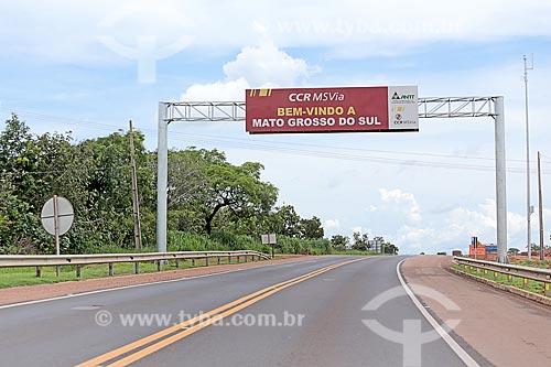 Divisa dos estados de Mato Grosso e Mato Grosso do Sul - Rodovia BR-163  - Itiquira - Mato Grosso (MT) - Brasil