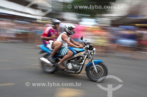 Motociclistas durante o desfile do bloco de carnaval de rua Banda de Ipanema na Rua Prudente de Moraes  - Rio de Janeiro - Rio de Janeiro (RJ) - Brasil