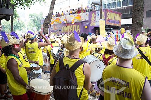 Bateria do bloco de carnaval de rua Simpatia é Quase Amor na Rua Teixeira de Melo  - Rio de Janeiro - Rio de Janeiro (RJ) - Brasil
