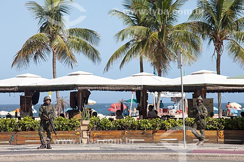 Policiamento de fuzileiros navais na orla da Praia de Copacabana  - Rio de Janeiro - Rio de Janeiro (RJ) - Brasil
