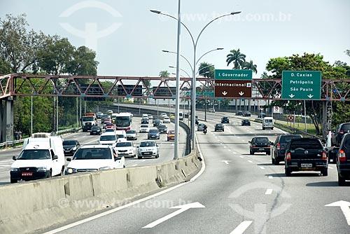 Tráfego na Linha Vermelha próximo ao Ilha do Fundão  - Rio de Janeiro - Rio de Janeiro (RJ) - Brasil