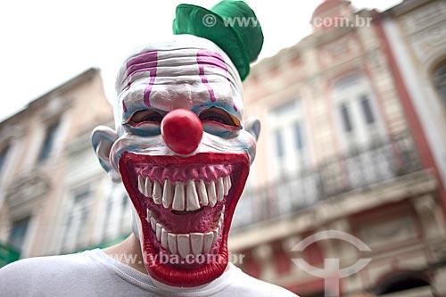 Detalhe de folião mascarado na Rua do Lavradio durante o carnaval  - Rio de Janeiro - Rio de Janeiro (RJ) - Brasil
