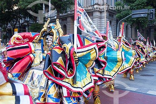 Grupo de bate-bolas (Clóvis) na Avenida Rio Branco durante o carnaval  - Rio de Janeiro - Rio de Janeiro (RJ) - Brasil