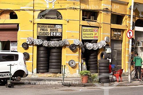Fachada de borracharia na Avenida Mem de Sá  - Rio de Janeiro - Rio de Janeiro (RJ) - Brasil