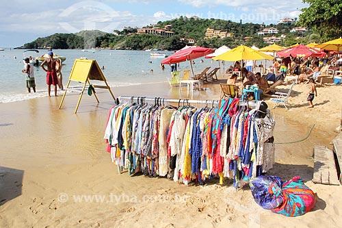 Roupas à venda na orla da Praia de João Fernandes  - Armação dos Búzios - Rio de Janeiro (RJ) - Brasil