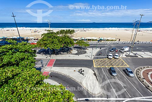 Vista geral da orla da Praia de Copacabana na esquina da Avenida Atlântica com a Avenida Princesa Isabel a partir do antigo Hotel Le Meridien - atual Hotel Windsor Atlântica  - Rio de Janeiro - Rio de Janeiro (RJ) - Brasil