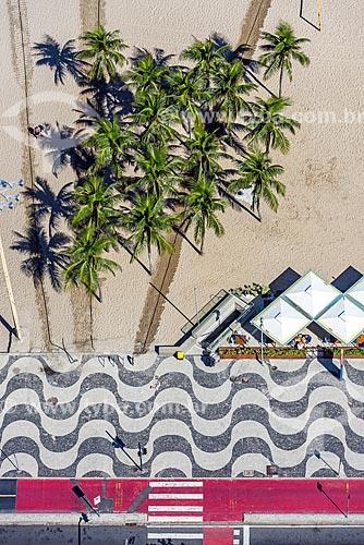 Vista de cima da orla da Praia de Copacabana  - Rio de Janeiro - Rio de Janeiro (RJ) - Brasil