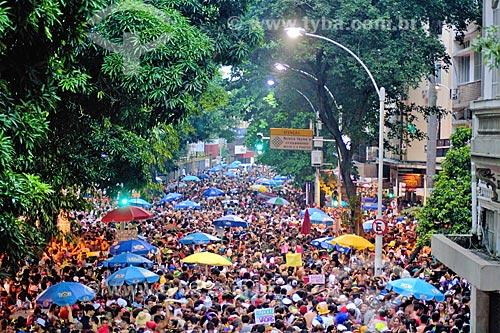 Desfile do bloco de carnaval de rua Cachorro Cansado na Rua Marquês de Abrantes  - Rio de Janeiro - Rio de Janeiro (RJ) - Brasil