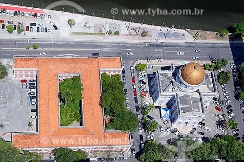 Foto aérea do Ginásio Pernambucano (1825) - à esquerda - e da Casa de Joaquim Nabuco (1875) - sede da Assembléia Legislativa de Pernambuco (ALEPE) - à direita  - Recife - Pernambuco (PE) - Brasil