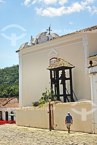 Fachada lateral com campanário da Igreja de Nossa Senhora da Boa Morte (1779) - também abriga o Museu de Arte Sacra da Boa Morte  - Goiás - Goiás (GO) - Brasil