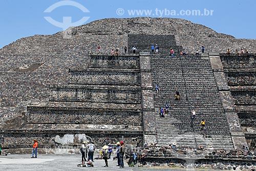 Pirámide de la Luna (Pirâmide da Lua) nas Ruínas de Teotihuacan  - San Juan Teotihuacán - Estado do México - México