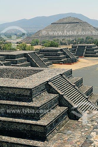 Vista geral das Ruínas de Teotihuacan a partir da Pirámide de la Luna (Pirâmide da Lua)  - San Juan Teotihuacán - Estado do México - México