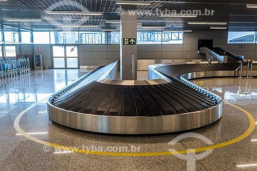 Detalhe de esteira de bagagem do Aeroporto Internacional de Belo Horizonte-Confins - Tancredo Neves  - Belo Horizonte - Minas Gerais (MG) - Brasil