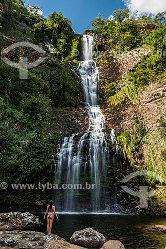 Banhista na Cachoeira da Farofa - Parque Nacional da Serra do Cipó  - Santana do Riacho - Minas Gerais (MG) - Brasil