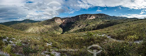 Vista geral da Cachoeira do Tabuleiro no Parque Estadual Serra do Intendente  - Conceição do Mato Dentro - Minas Gerais (MG) - Brasil