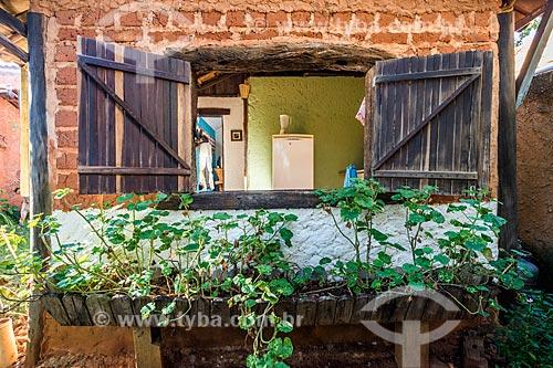 Fachada de simples chalé no povoado da Vila do Cipó  - Santana do Riacho - Minas Gerais (MG) - Brasil