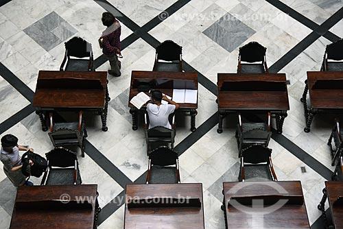 Mesas de estudo no interior do Real Gabinete Português de Leitura (1887)  - Rio de Janeiro - Rio de Janeiro (RJ) - Brasil