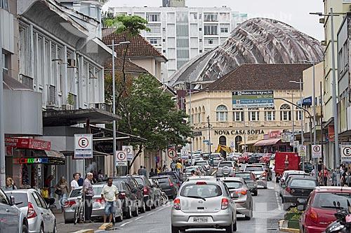 Tráfego e lojas na Rua do Príncipe  - Joinville - Santa Catarina (SC) - Brasil