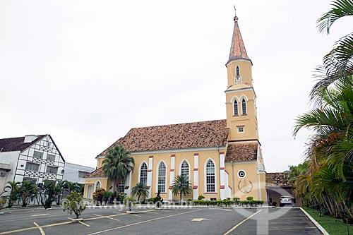 Fachada lateral da Igreja da Paz (1885) - Comunidade Evangélica de Confissão Luterana  - Pomerode - Santa Catarina (SC) - Brasil