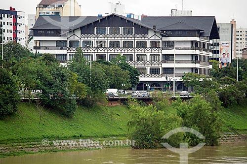 Vista da sede da Prefeitura da cidade de Blumenau ao fundo  - Blumenau - Santa Catarina (SC) - Brasil