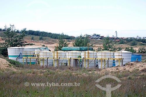 Caixas dágua da Companhia Catarinense de Águas e Saneamento (CASAN) que abastece à Vila do Farol de Santa Marta  - Laguna - Santa Catarina (SC) - Brasil